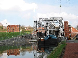 Boat Lifts on the Canal du Centre - Image: 01 Houdeng Goegnies 050323 (3)