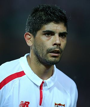 Éver Banega - Banega playing for Sevilla in 2016