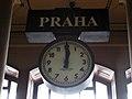 073 Estació Central, rellotge de l'atri.jpg