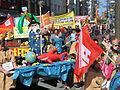 1. Mai 2013 in Hannover. Gute Arbeit. Sichere Rente. Soziales Europa. Umzug vom Freizeitheim Linden zum Klagesmarkt. Menschen und Aktivitäten (089).jpg