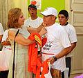 12-03-2012 Entrega invitaciones a Maratón de Stgo a Kevin Silva y otros 12 deportistas con habilidades especiales (6831116430).jpg