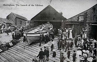 Sheringham Lifeboat Station - Image: 1904 Postacard of the Henry Ramey Upcher outside her boathouse