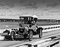 1915 Model T Ford (15016456290).jpg