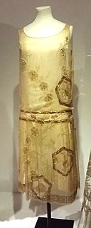 1926 Paquin yellow chiffon evening dress.jpg