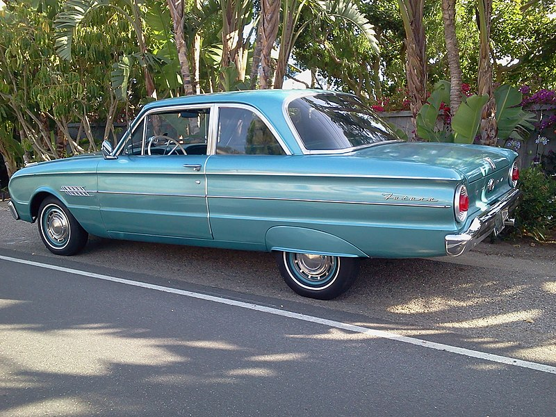 File:1962 Ford Falcon Futura.jpg