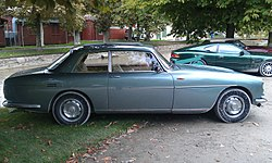 1969 Bristol 411 S1 in Morges 2013 - Right.jpg
