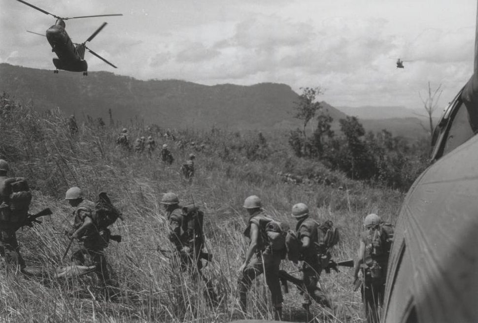 2.4 Marines offload from HMM-262 CH-46s near Lang Vei