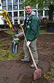 2014-05-19 Erdarbeiten Alter St. Nikolai Friedhof, Hannover, Kretschmer GmbH Langenhagen, (04) Norman Dumann.jpg