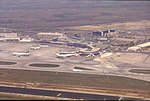 210R05170493 Flug über Wien, Flughafen Schwechat.jpg