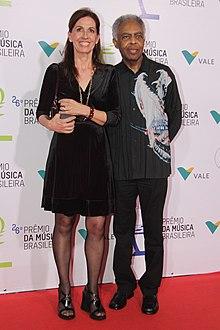 Gilberto Gil com sua esposa Flora 3346efa81bec5
