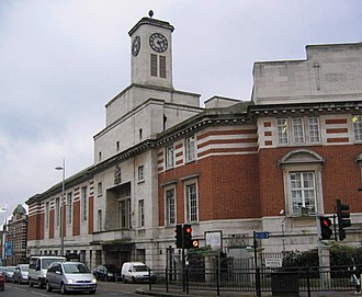 Acton, London - Image: Actontownhall 2