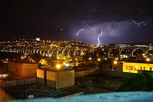 Acueducto de Noche y tormenta.jpg