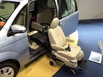 Wheelchair accessible van - Toyota Porte Welcab (2012)