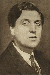 Alban Berg around 1930 (by Max Fenichel) (Source: Wikimedia)