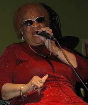 Alberta Adams - Adams performing at Sushi Blues in December 2006