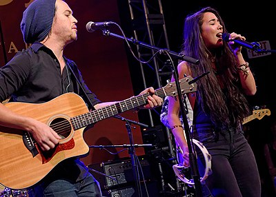 Picture of a band or musician: Alex & Sierra