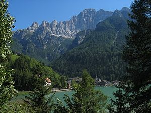 Alleghe - Alleghe and its lake, with Monte Civetta in the background.