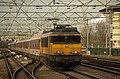 Amsterdam CS 1766 met DB EuroCity uit Warszawa kop gemaakt (11772045523).jpg