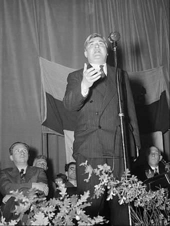 Aneurin Bevan speaking in October 1952 Aneurin Bevan and his wife Jenny Lee in Corwen (15368872658).jpg