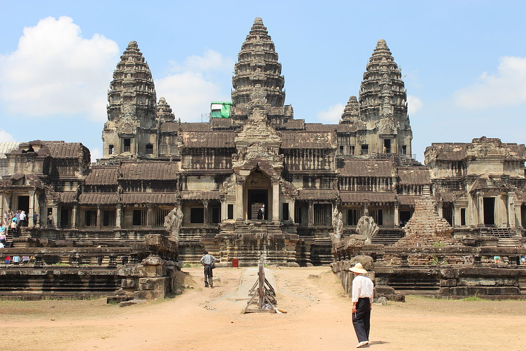 File angkorwat rear jpg wikimedia commons for Wat architecture