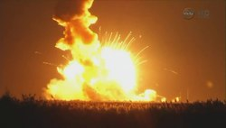 Файл:Antares Fails to Reach Orbit with Cygnus CRS-3 after Rocket Explodes.webm