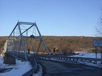 Skinners Falls–Milanville Bridge - Image: Approaching the Skinners Falls Milanville Bridge