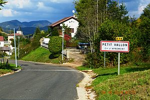 Apremont, Ain - Image: Apremont, Ain, Entry to Petit Vallon