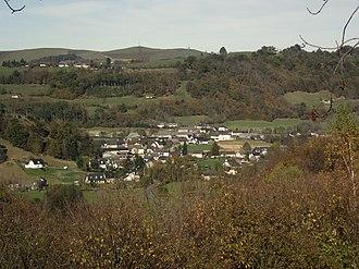 Arcizac-ez-Angles - Arcizac-ez-Angles seen from the hillside