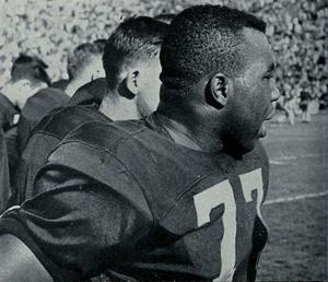 Art Walker (gridiron football) - Art Walker in 1954