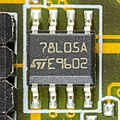 Asus P5PL2 - STMicroelectronics 78L05A-5321.jpg