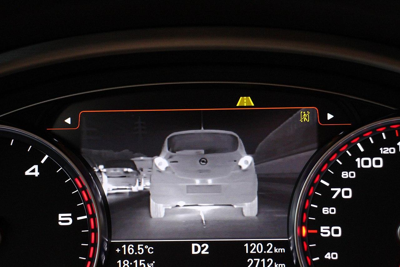Systemy wsparcia kierowcy - asystent jazdy w nocy