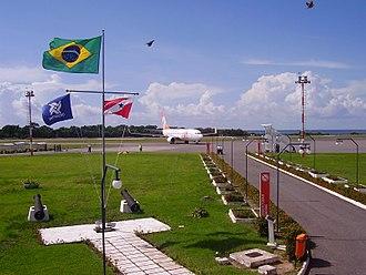 Santarém-Maestro Wilson Fonseca Airport - Image: B737 Gol Transporte 1643 Gate B SBSN