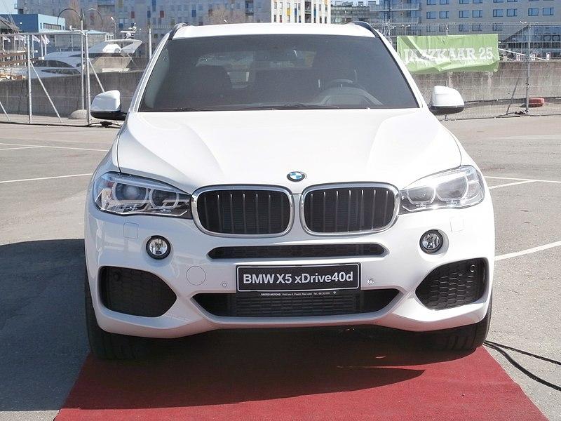 BMW X5 xDrive40d Front view Port of Tallinn 25 April 2014.JPG