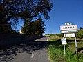 Bagnols - Entrée village par chemin C1 (sept 2018).jpg