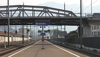 Brunnen railway station - The station looking north, with the viaduct carrying Schwyzerstrasse across the line.
