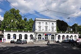Zürich Stadelhofen railway station - Image: Bahnhof Stadelhofen 2010 09 04 15 10 10 Shift N