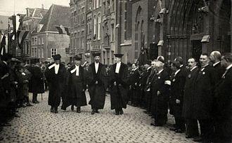 Herman de Vries de Heekelingen - Herman de Vries de Heekelingen (second from right) in a procession to the St. Ignatius Church at the opening of the Catholic University of Nijmegen, 17 October 1923.