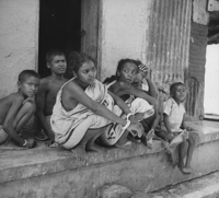 Photograph depicting Bengal famine, 1943