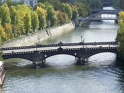 So kommt man zu der Moabiter Brücke mit den Öffentlichen - Mehr zum Ort Hier