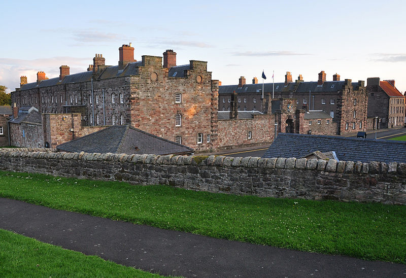 File:Berwick-upon-Tweed barracks.jpg