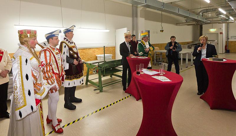File:Besuch Kölner Dreigestirn im Historischen Archiv der Stadt Köln -9654.jpg