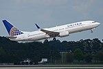 Boeing 737-824(w) 'N33264' United Airlines (39610407645).jpg