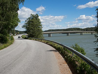 Bridge from mainland to Harvaluoto Piikkiö Kaarina Finland.jpg