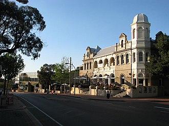Victoria Park, Western Australia - Albany Highway in central Victoria Park