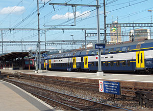 S12 and S11 (ZVV) - An S12 train arrives at Brugg, 2006.