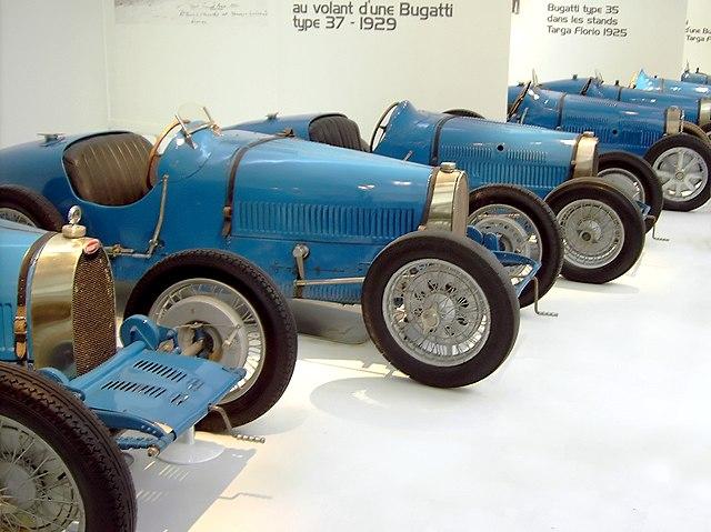 640px-BugattiRacingCars.jpg