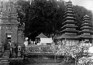 Pura Goa Lawah - Pura Goa Lawah in early 20th-century, showing porcelain ceramic plates decoration.