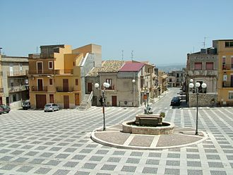 Caltabellotta - piazza Fontana, Sant'Anna, Caltabellotta subtown.