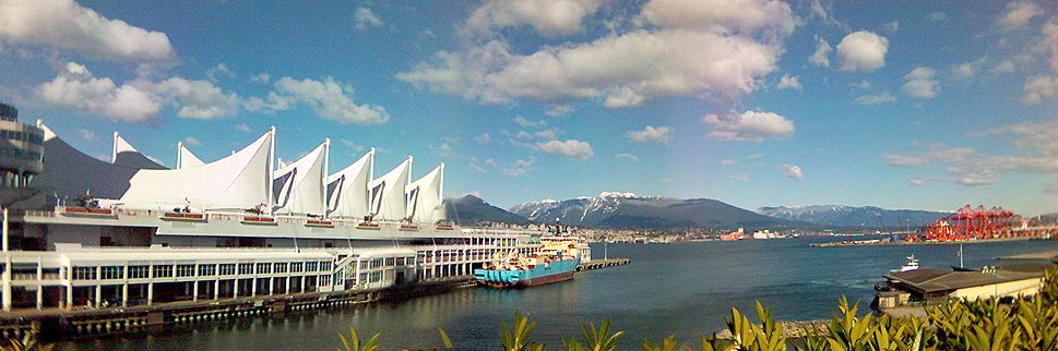 Canadaplace-pano