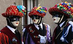 Carnevale di Bagolino, ballerini con i tipici costumi